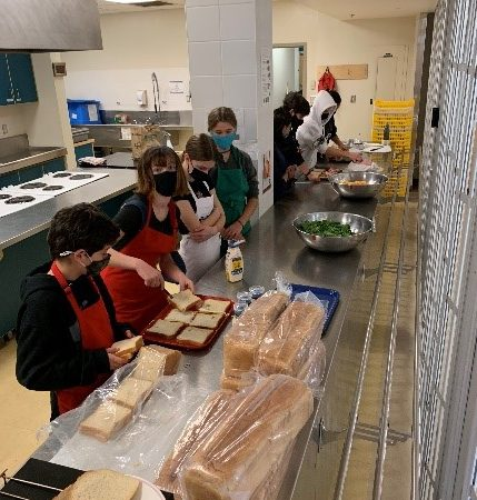 Help the Homeless – sandwich assembly line